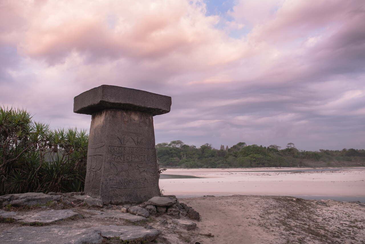 sumbanese-tombstone