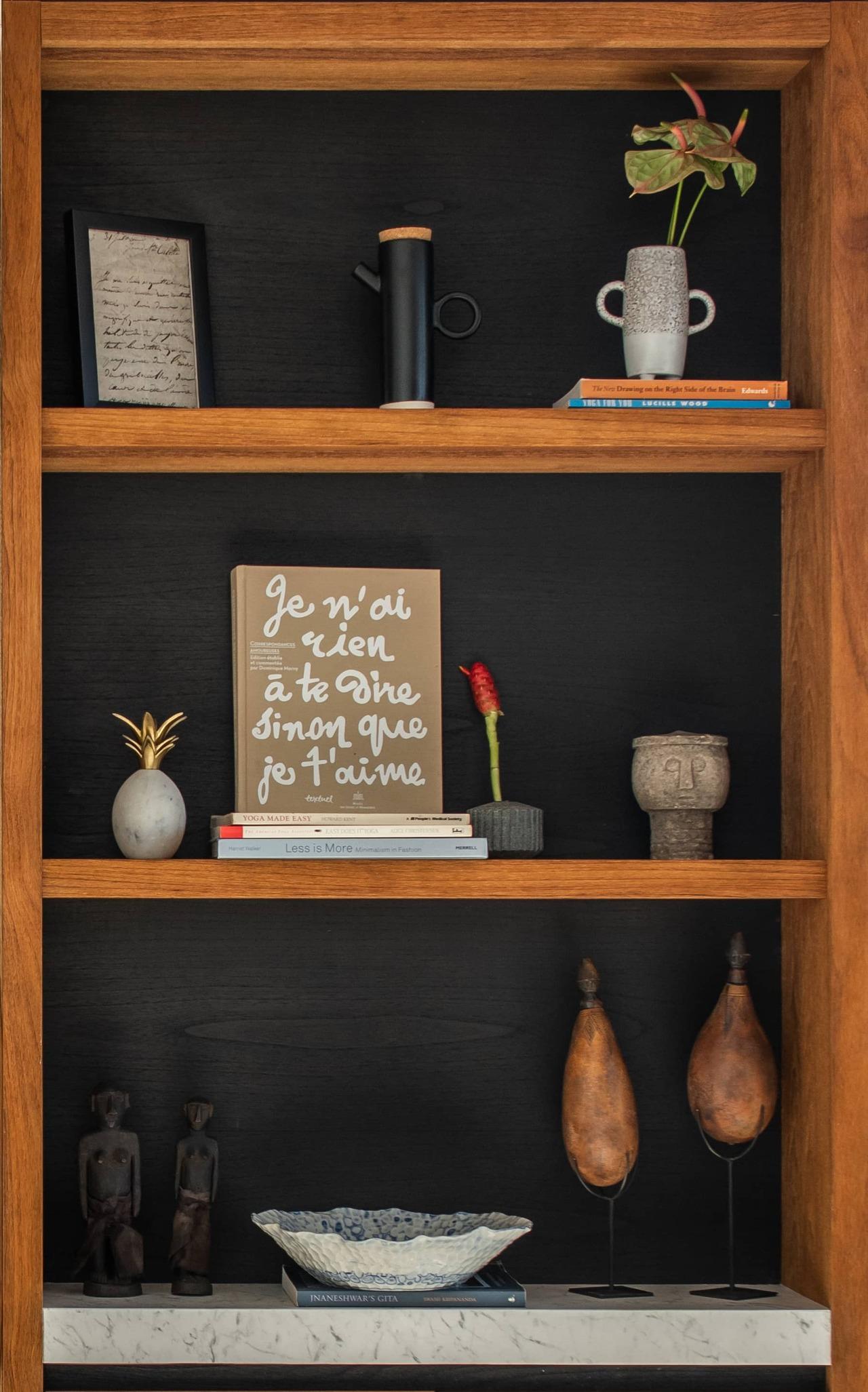 Cap Karoso-suite-shelves-detail