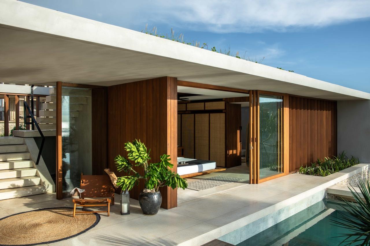 CapKaroso-VillaN'dara-terrace-stairs-chair-plant-pool