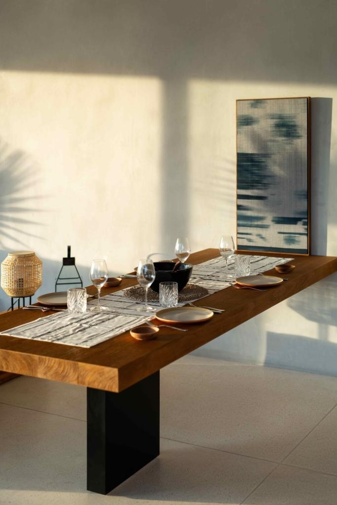 CapKaroso-kitchen-table-VillaN'dara