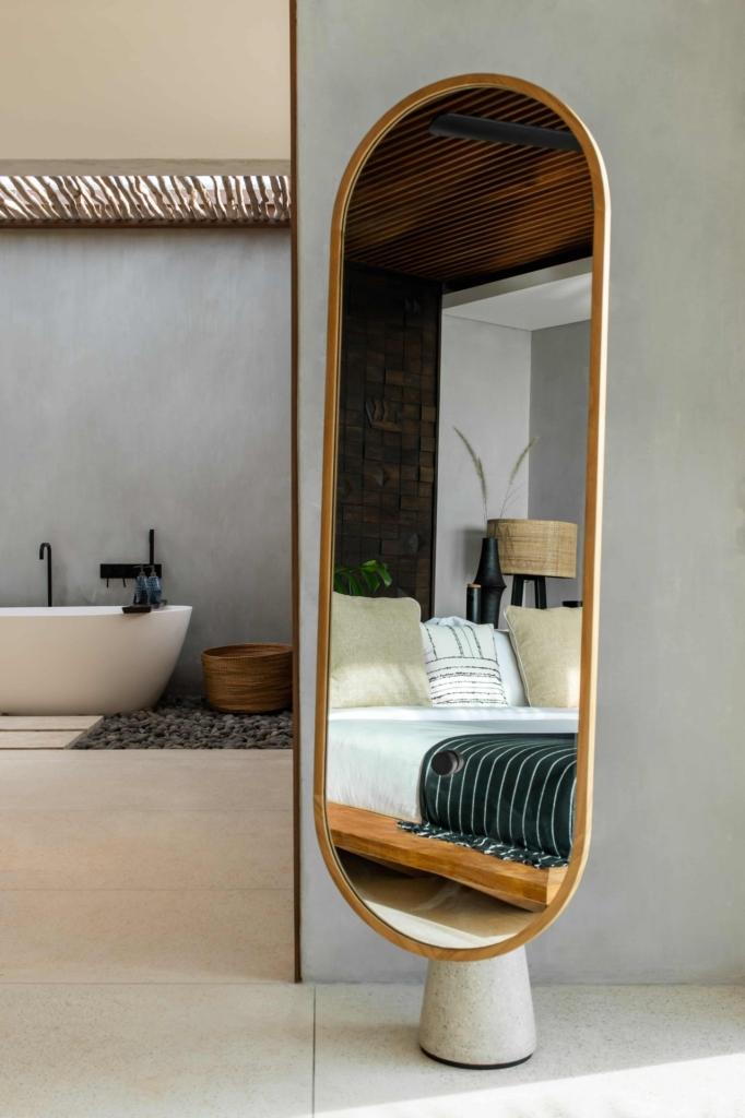 CapKaroso-mirror-bath