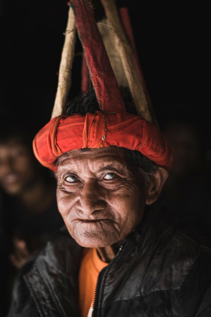 CapKaroso-old-Sumbanese-man