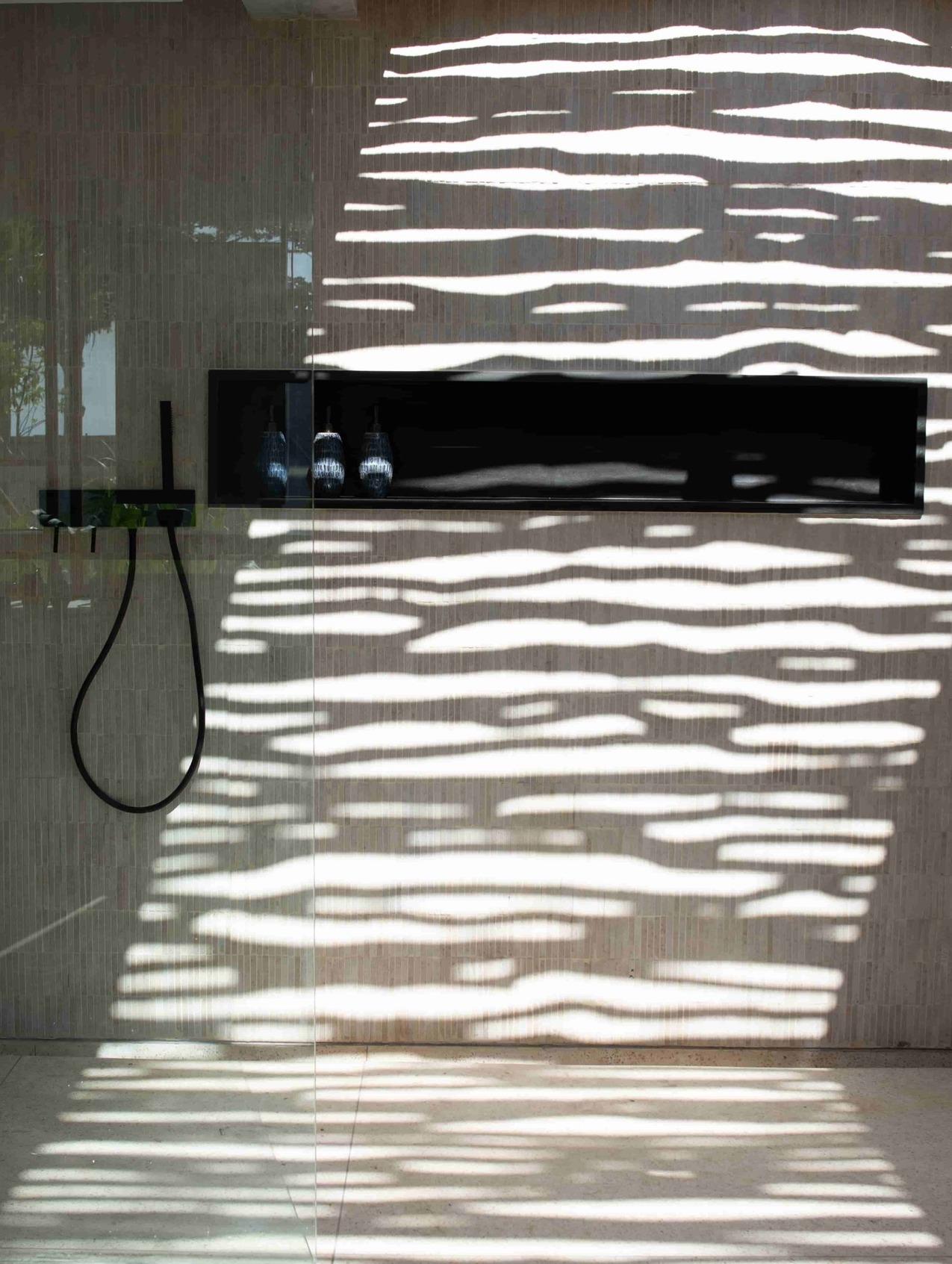 CapKaroso-openair-shower