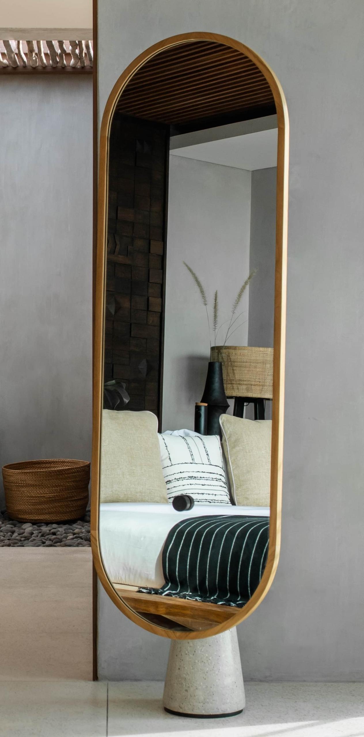 CapKaroso-signature-mirror