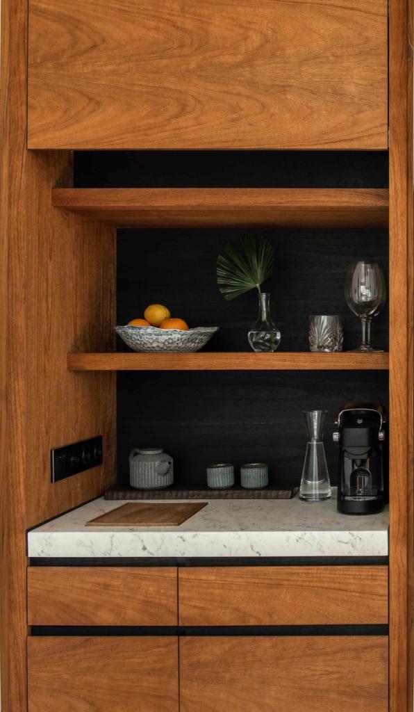 CapKaroso-suite-minibar-coffeemachine
