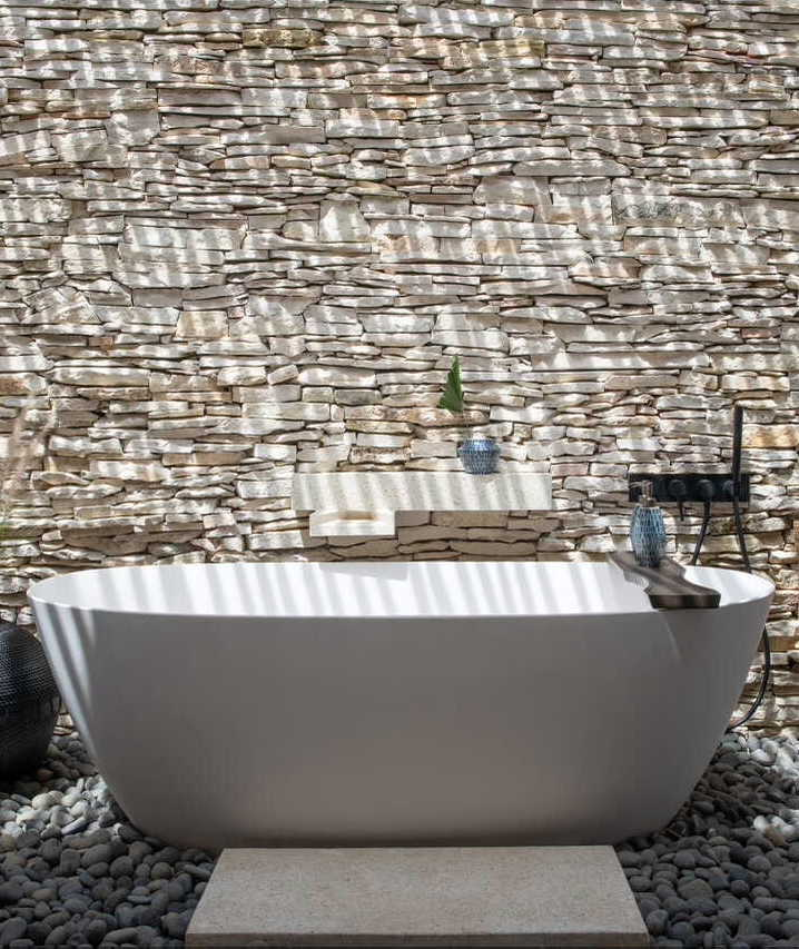 Cap Karoso-suite-openair-bathtub-cropped